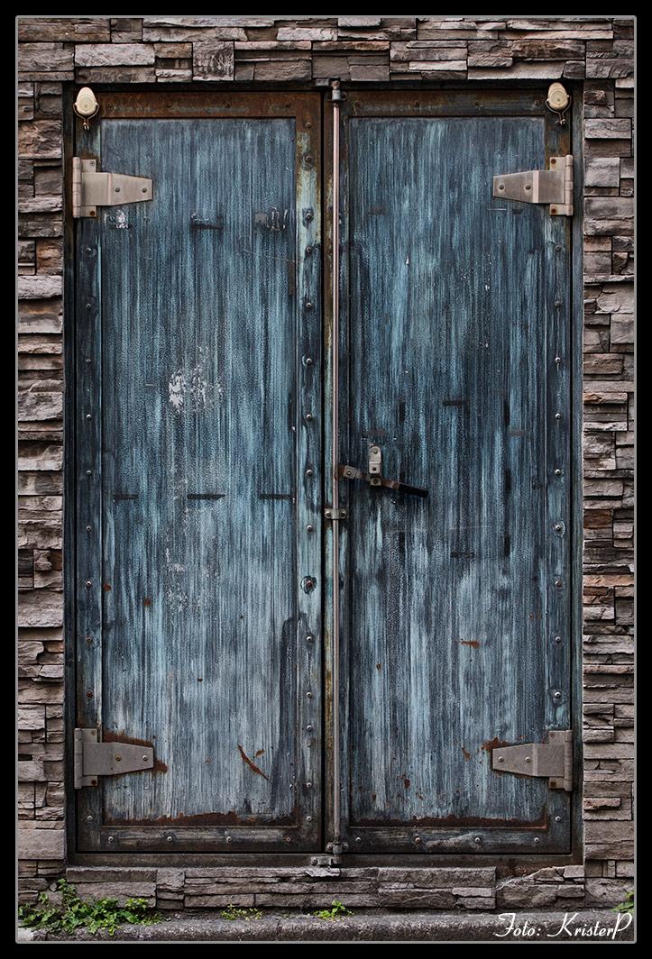 Simple photography: door